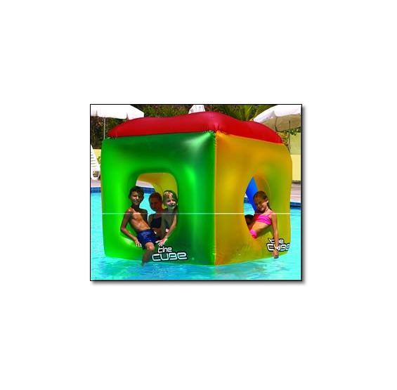 The cube floating habitat pc pools for Cube miroir habitat