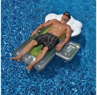 Beer Mug Float with Mini Cooler